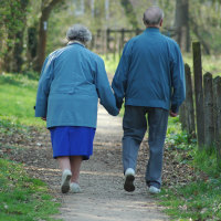 older-couple-walking-love-againg-600